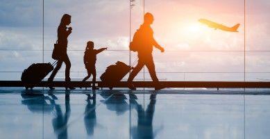 Famille à l'aeroport