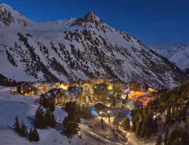 Station des Arcs de nuit, Alpes France