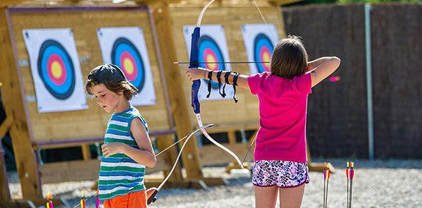 Enfants au tir à l'arc